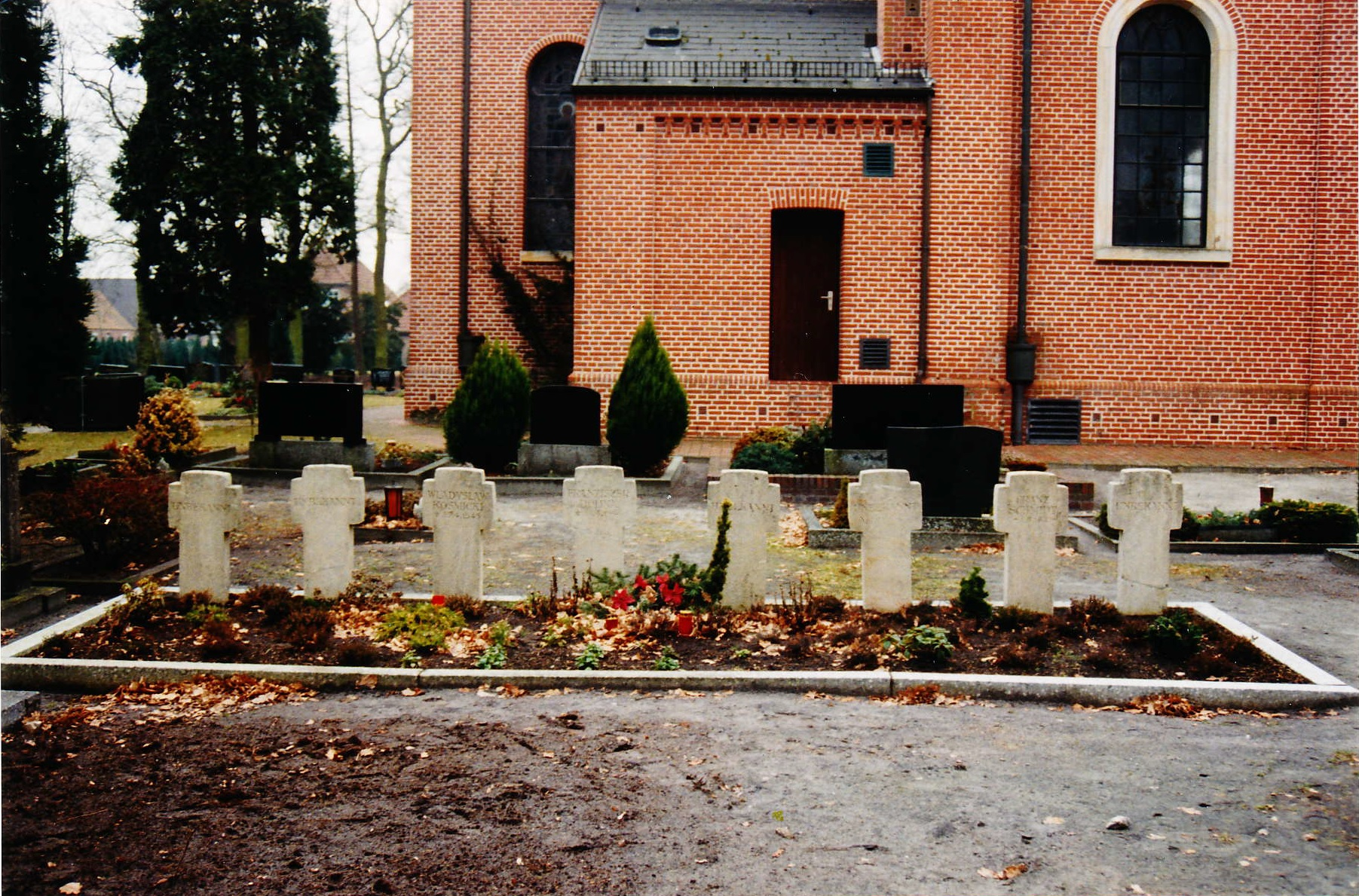 Buriel ground for soldiers at the catholic cemetery in Flachsmeer