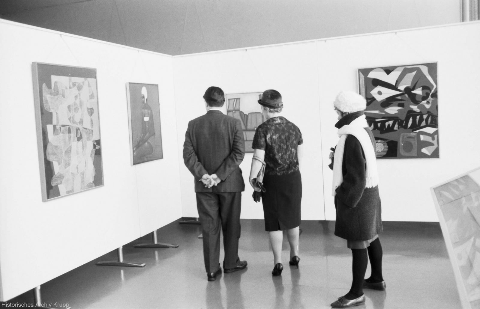 A look inside the exhibition, including works by Maria Jarema (1908-1958) and Jerzy Nowosielski (1923-2011). (l to r.: Jarema, Filter XIII, 1954; Nowosielski, Female Swimmer, 1959 and Synthetic Landscape, 1961.
