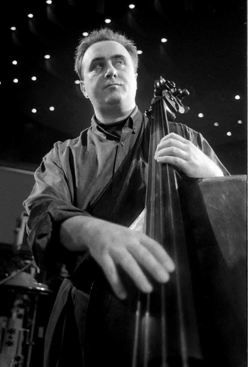 Vitold Rek and his instrument in 1992.