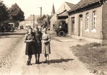 Junge Polinnen in Maczków