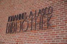 Johannes a Lasco Bibliothek, Schriftzug, Emden (2017)