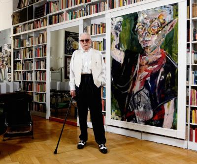 Andrzej Wirth in his apartment in Berlin