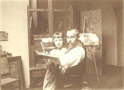Roman Kochanowski with his son Roman Junior in his Munich atelier, around 1903, photographer unknown