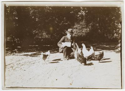 Roman Kochanowski working outdoors, photo, 12.8 x 17.8 cm, photographer unknown