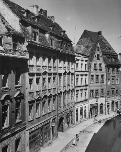 Street view of Wroclaw with town houses in the former Krullstraße, 1958.