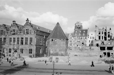 The Great Armory and Straw Tower at the Coal Market in Gdańsk, 1953.