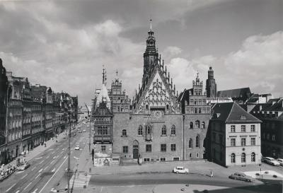 Wrocław Market Square with the City Hall, undated (after 1945).