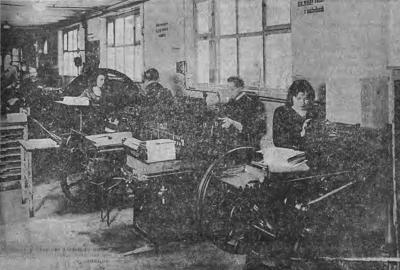 "Editors and typesetters in the ""Narodowiec"" print shop"